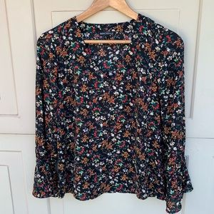 Jcrew mercantile bell sleeve printed blouse size 2